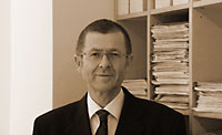 Dr. Axel Fuith